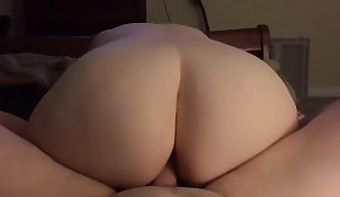 Ample Cougar Showing Her Huge Ass During Hot Fuck