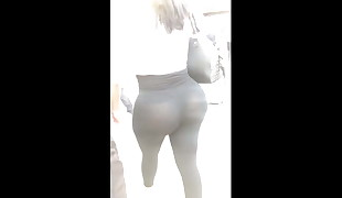 Ass All Out in the Street