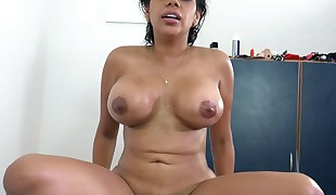 Venezuelan curvy latina Kesha Ortega works on a huge dick